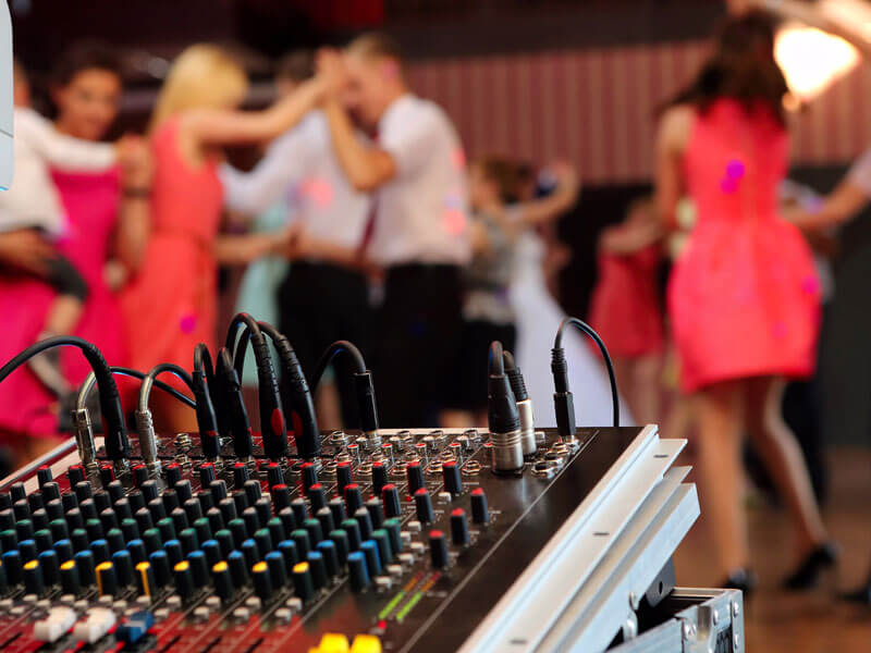 Read more about the article Sound Off – Why The Sound At Your Reception Needs to Be Clear